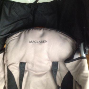 Maclaren Kinderwagen: der Logo Aufdruck